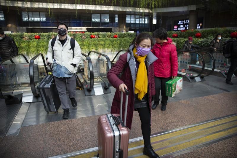 中國新型冠狀病毒爆發,引起歐洲投資人的恐慌及避險行為。(美聯社)