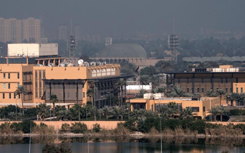 巴格達綠區遭到3枚火箭彈攻擊,其中兩枚在美國大使館附近落地。圖為位於綠區內的美國大使館。(路透)