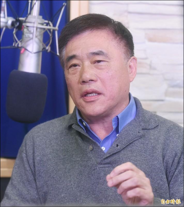 宣布參選國民黨主席的前副主席郝龍斌21日接受電台專訪談國民黨改革,並闡述參選理念。(記者廖振輝攝)
