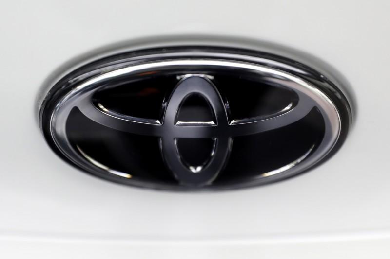 由於電子故障導致安全氣囊可能在撞擊時無法展開,豐田汽車將召回全球340萬輛汽車。(彭博)