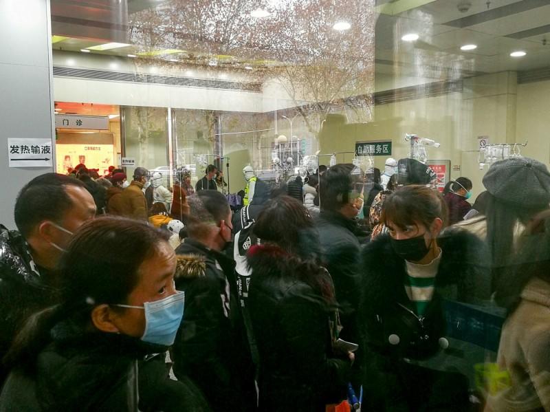 中國國內29個省、區、市肺炎確診病例達882例,已造成26人死亡。(路透)