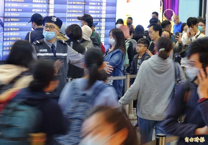 隨著中國武漢肺炎疫情擴大,交通部、觀光局、旅行商業同業公會全聯會已開會討論並取得共識,明日凌晨0點起,將全面禁止旅行團赴中國旅遊,示意圖,與新聞無關。(資料照)