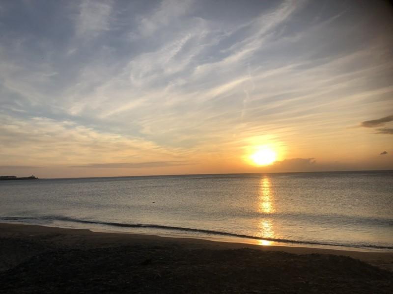 潘孟安拍下的故鄉夕陽。(潘孟安提供)