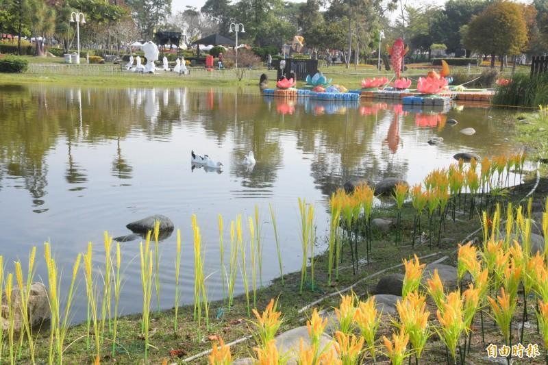 彰化縣在新春期間在溪州公園舉辦「花在彰化」,美景讓人心情愉悅。(記者張聰秋攝)