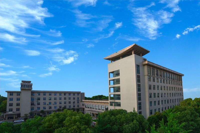 中國「新型冠狀病毒肺炎」疫情蔓延全球,外媒近日披露,武漢有一座中國最高級別的病毒研究所,距離病毒發源地「華南海鮮市場」僅有32公里。(圖擷取自中國科學院武漢病毒研究所網站)