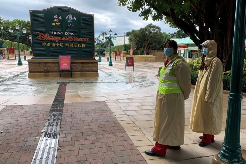 香港迪士尼、海洋公園今(26)日起,暫停開放。(路透)