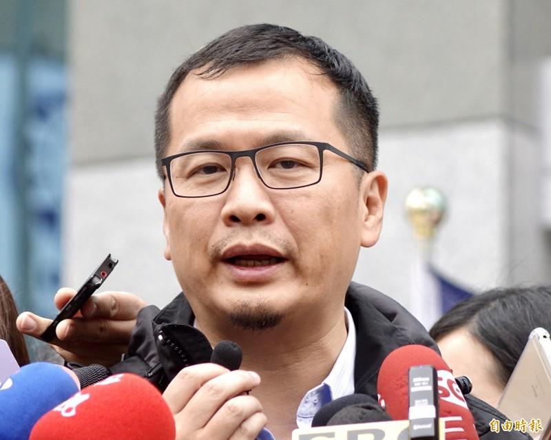 臉書粉絲衝破百萬,台北市議員羅智強兌現4年前承諾,今天在臉書上正式宣布參選2022台北市長!