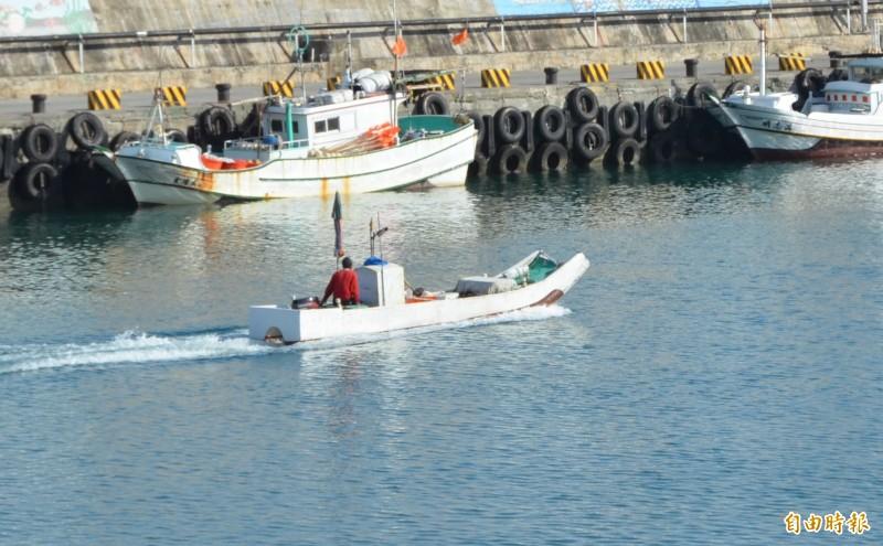 小琉球的漁筏多為1到2人作業。圖非當事者船隻。(資料照,記者葉永騫攝)