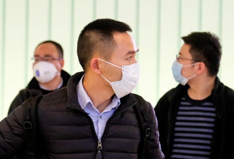 面對春節返程高峰期,上海民眾相當憂心,紛紛呼籲政府做出更積極的處置。(路透檔案照)