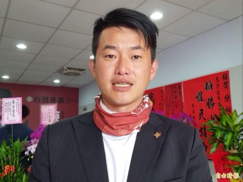 行政院宣布禁止台灣口罩出口1個月遭藝人批評,台灣基進新科立委陳柏惟希望藝人能做足功課再發言。(記者陳建志攝)