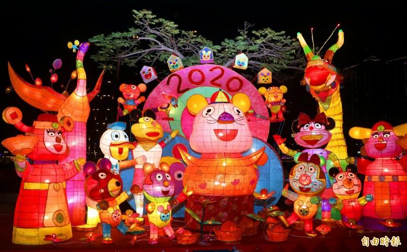 2020全國創意花燈競賽國小幼兒組燈王-愛群國小「鼠報年來福滿門」。(記者黃旭磊攝)