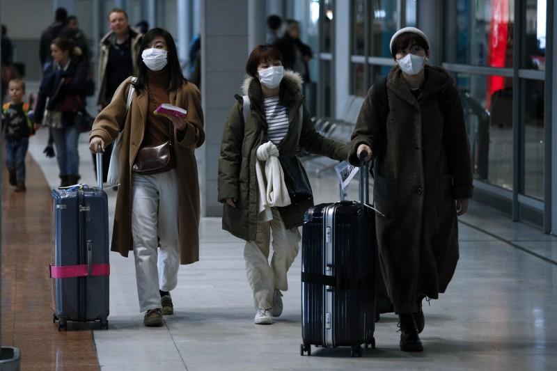 中國「武漢肺炎」擴散全球,目前各國也陸續表示將啟動撤僑,目前除了美國派遣專機到中國武漢撤僑,其他包含日本、德國、法國也都陸續宣布將派機撤僑。(歐新社)