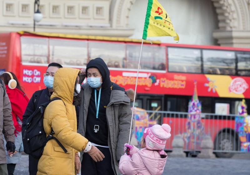 位於中國北方的俄羅斯至今都沒有出現確診病例,為了防範疫情入侵,俄羅斯今日宣布關閉3處「俄中邊境」,並停止向中國出售旅遊行程。(彭博)