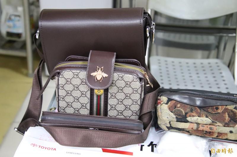 專案小組發現,名牌包、名表、金飾也是劉男涉嫌銷贓的方式。(記者黃美珠攝)