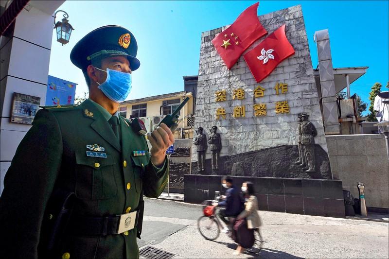 香港特首林鄭月娥廿八日宣布,香港將暫時關閉與中國的部分邊界。(美聯社)