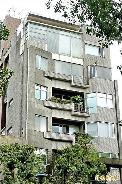洪曉蕾、王世均所住的仁愛路樓中樓豪宅被法拍,拒遷挨告敗訴要搬遷還屋。(資料照)