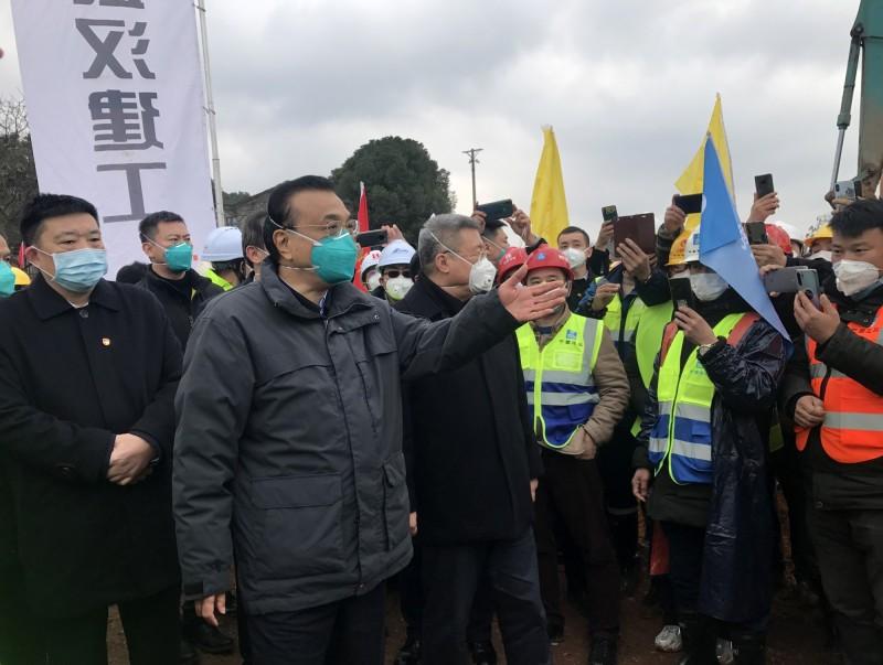 中國國務院總理李克強1月27日赴武漢視察疫情。(歐新社)