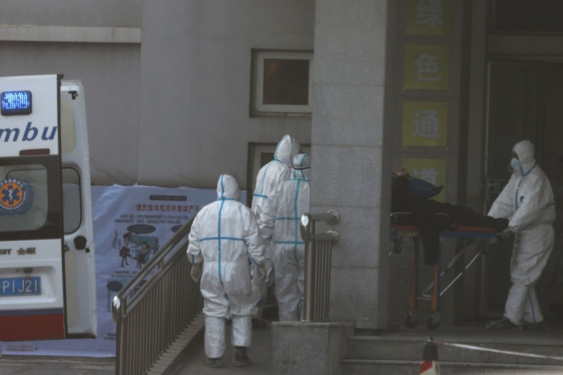 中國武漢肺炎疫情擴及全球。示意圖。(路透)