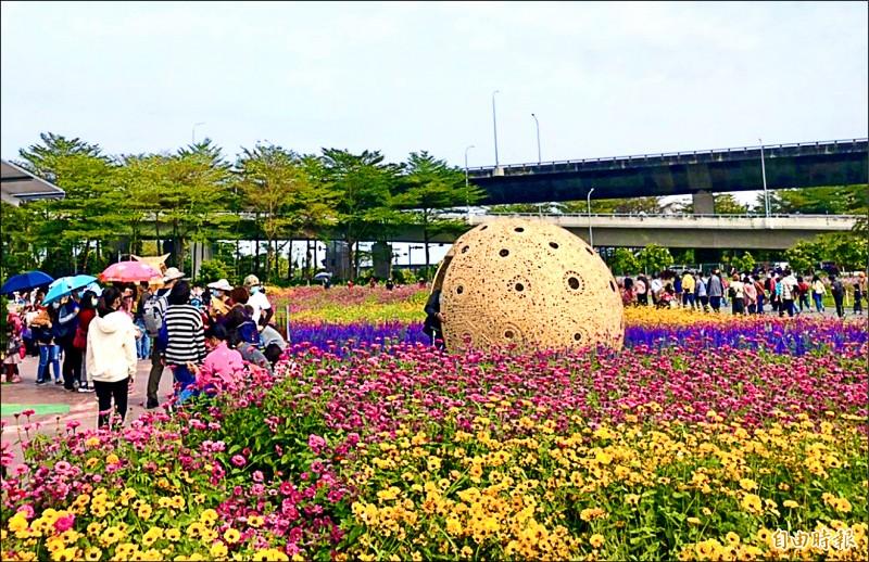 每年春節期間的重要活動「屏東熱帶農業博覽會」。(記者羅欣貞攝)