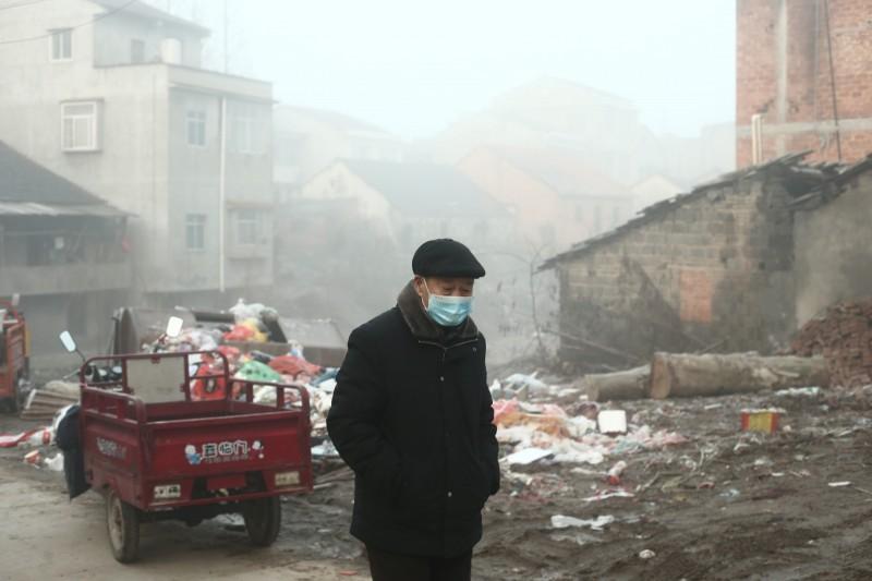中國武漢肺炎疫情失控,湖北街道上宛如空城。(歐新社)