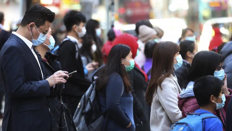 為防止新型冠狀病毒蔓延,澳門教育暨青年局既今日宣布,大中小學等教育機構將「無限期停課」;對此,香港教育界也向港府疾呼跟進,並要求馬上「封關」。(美聯社)