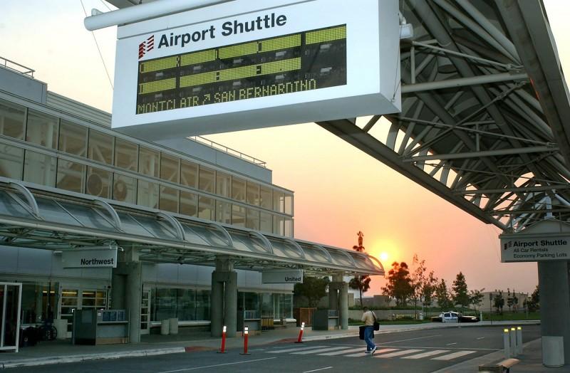 美國洛杉磯安大略國際機場(圖)原定迎接武漢撤僑班機,其發布的防疫相關措施裡,強調華航(China Airlines)來自台灣而非中國,因此不須隔離檢疫。(美聯社)