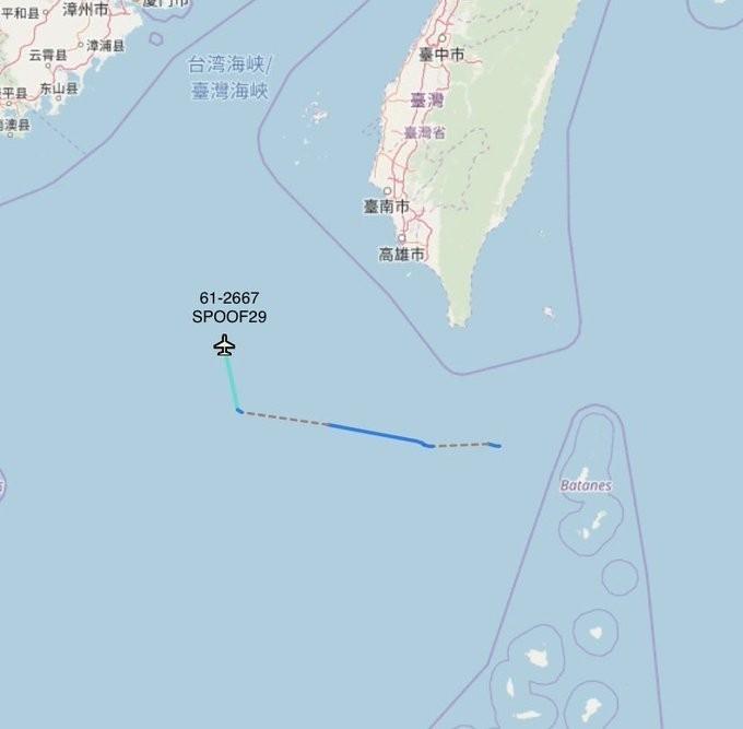 美軍WC-135W偵察機飛入南海後北上前往台灣海峽。(圖片來源:Aircraft Spots推特)