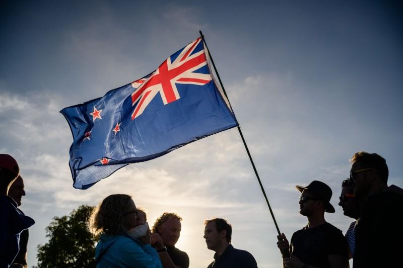 紐西蘭公民佛瑞斯特(Edd Forrest)今年1月7日在紐西蘭議會官網發起請願連署,呼籲政府承認台灣並建立正式外交關係,今(3)日正式封關截止,共計獲得65630個簽名。紐西蘭國旗示意圖。(法新社)