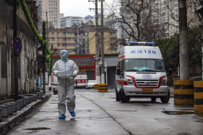 湖北省每日死亡人數不斷上升,昨日單日新增64死。(美聯社)