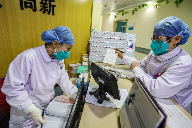 中國武漢爆發的新型冠狀病毒疫情持續延燒。(法新社資料照)