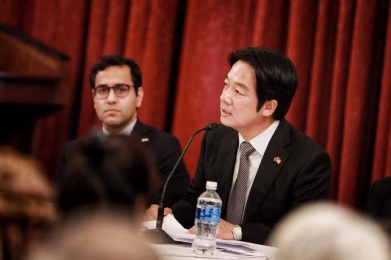 副總統當選人賴清德(右)強調,尊重宗教自由、維護人民的信仰自由,可以說是台灣對世界最至關重要的貢獻。(取自臉書)