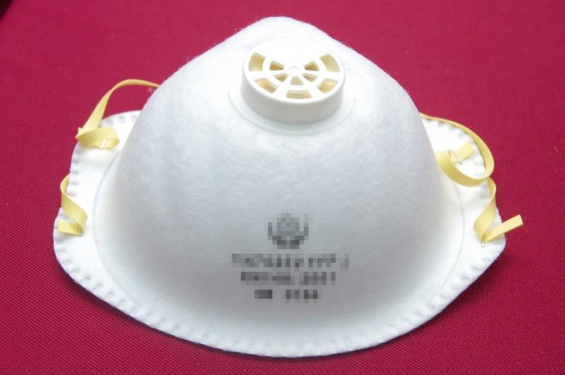 中媒報導,河南省漯河市中醫院一名發燒門診的張姓護理長似因丟失一個N95口罩「失聲痛哭」。圖僅示意,與本文無關。(資料照)