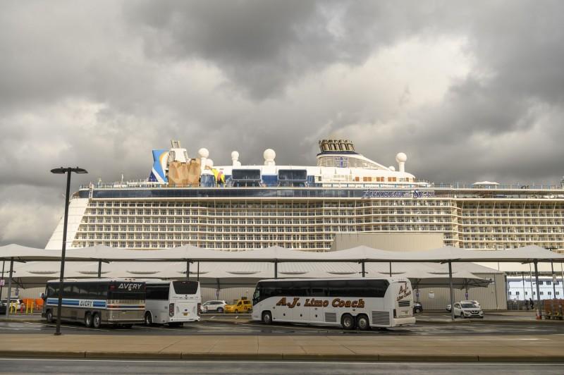 皇家加勒比遊輪公司(Royal Caribbean Cruises Ltd)表示,將禁止持有中國、香港或澳門護照的乘客登船,擔憂肺炎疫情擴散。(彭博社)