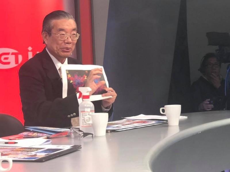 前衛生署長李龍騰(見圖)懷疑17年前的SARS病毒是中國製作的,此次的新型冠狀病毒恐怕也非自然界產物。(圖取自王定宇臉書)
