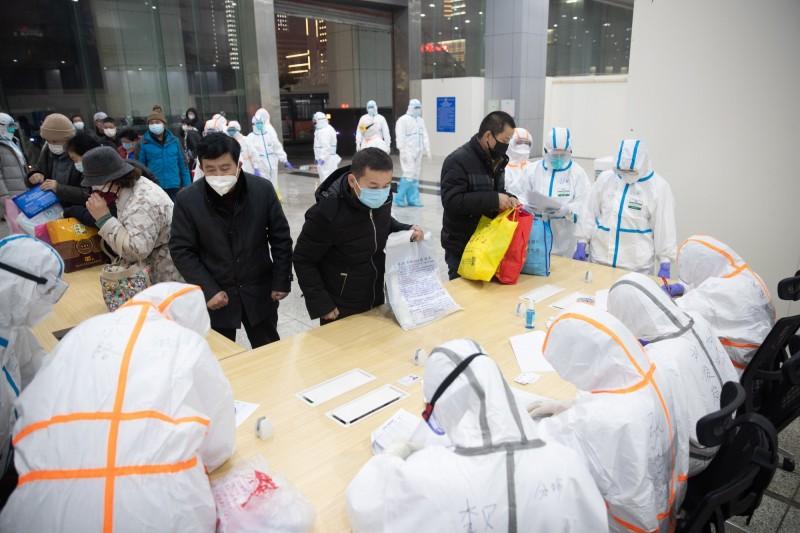 儘管世界衛生組織(WHO)呼籲不要再把目前的疫情和地名扯上關係,但《CNN》對此無視,目前仍以「武漢冠狀病毒(Wuhan coronavirus)」稱之。(歐新社)