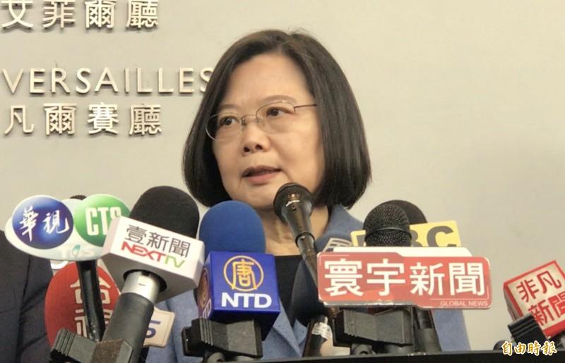 蔡英文總統表示,中國軍機繞行台灣與鄰近國家周邊,國軍都全程監偵掌握。(記者李容萍攝)