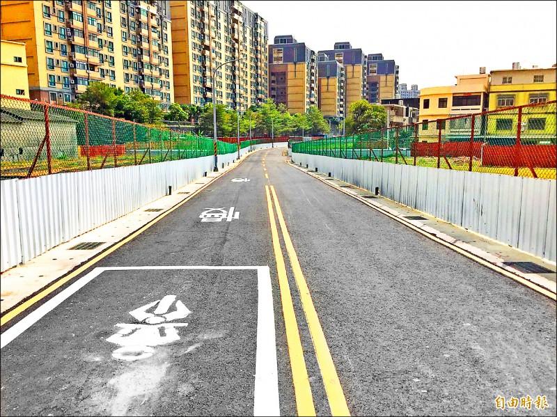 新竹市府推動懸宕廿多年的公道三新闢道路銜接茄苳景觀大道工程,已取得九十四%土地移轉權,同時安置基地也完成所有基礎建設工程。(記者洪美秀攝)