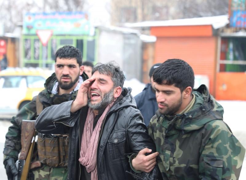 阿富汗首都喀布爾的一所軍事學院今日遭自殺式炸彈攻擊,炸死至少6人,12人受傷。(路透)
