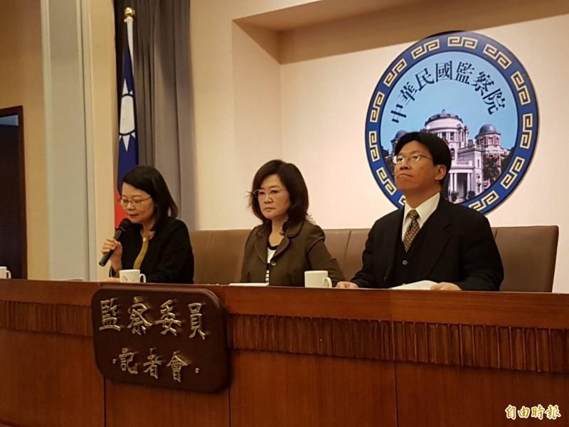 負責調查前法務部長邱太三涉嫌關說案的監察委員高涌誠(右起)、林雅鋒、王美玉。(記者謝君臨攝)