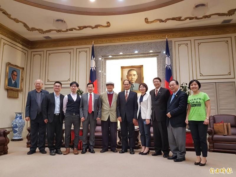 台灣聯合國協進會等團體下午至立法院拜會院長游錫堃。(記者謝君臨攝)