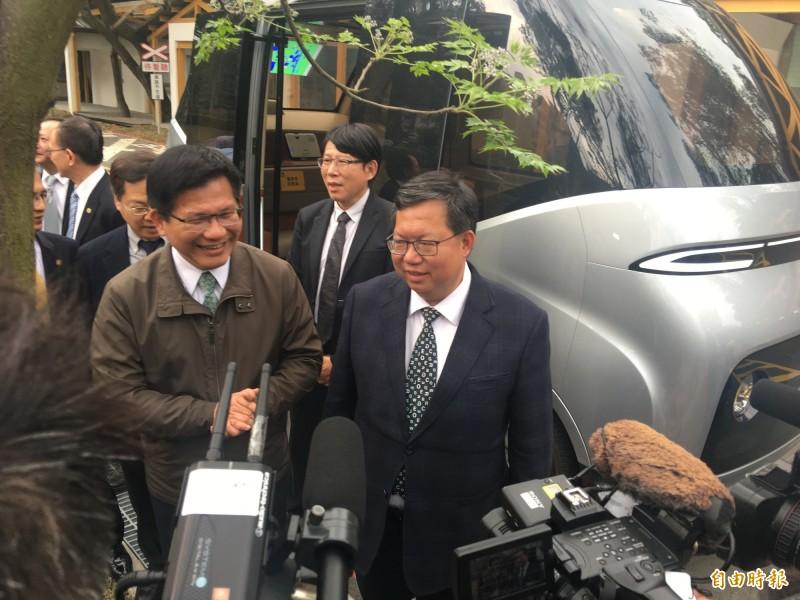交通部長林佳龍支持華航主管減薪,勞資共渡難關。(記者謝武雄攝)