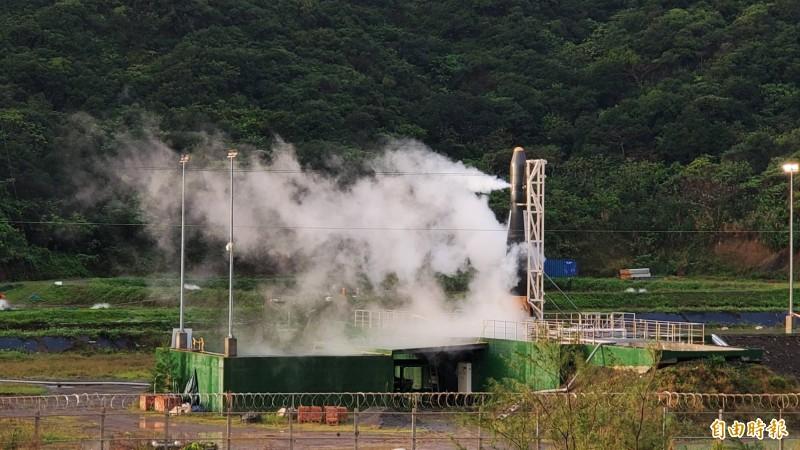 首支國造火箭「飛鼠一號」今天清晨6點待命發射,晉陞太空公司於上午7點宣布終止發射程序。(記者張忠義攝)