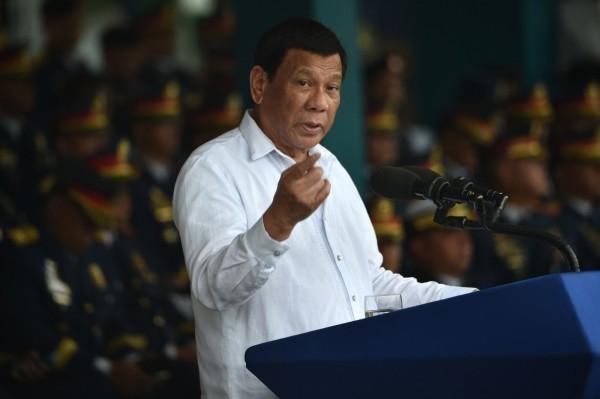 菲國總統杜特蒂親自拒絕解除對台禁令,並表示與中國政策無關。(法新社檔案照)