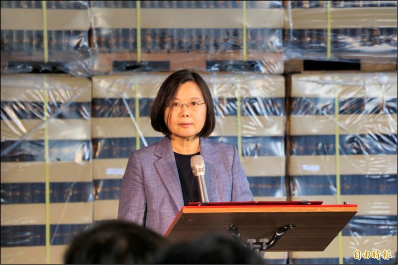 菲律賓實施對台旅行禁令,總統蔡英文昨表示,菲律賓若以政治考量,請三思,台灣不能容忍,也必然會有相應的措施。(記者萬于甄攝)