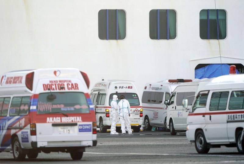 日本千葉縣20多歲的男子昨天(14日)確診感染,他曾在4日和7日搭乘電車在東京都內通勤。(歐新社)