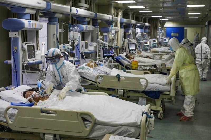 中國政府宣布,防疫到2月13日,已經安排防疫資金805.5億人民幣,實際支用410億人民幣。(美聯社資料照)