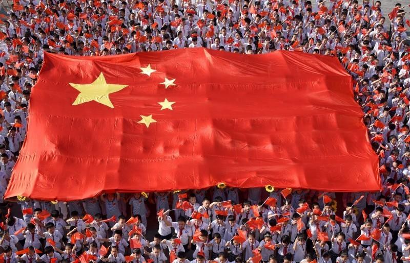 中國《央視》今晚宣布,中國武漢肺炎死亡的第1例、第2例患者檢體已經解剖、採樣、送驗。中國國旗示意圖。(路透檔案照)