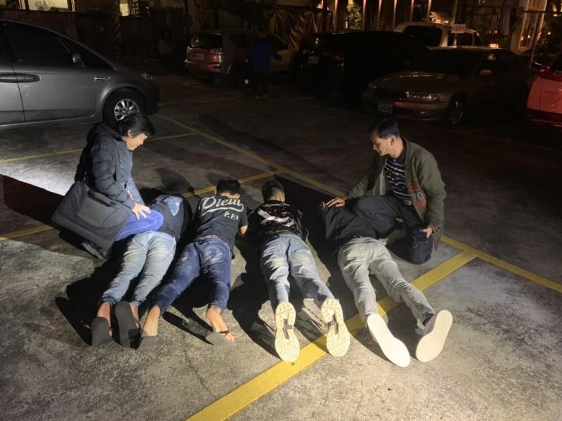 中市警局四分局28小時逮捕嫌犯8人,追回贓款190萬餘元,與阮男自稱的被搶上千萬元差距甚大。(記者張瑞楨翻攝)