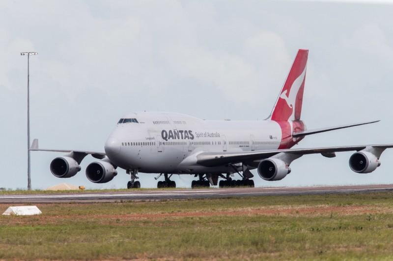 澳洲的撤僑包機定於週三起飛,預計接回200多名澳洲人,機上其他空位則將接回在鑽石公主號上的紐西蘭人。圖為澳洲航空班機。(歐新社)