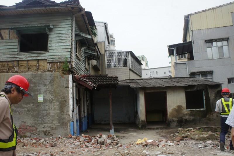 台南市蘇丁受診所今天下午遭拆除。圖為拆除前樣貌。(台南市文資處提供)